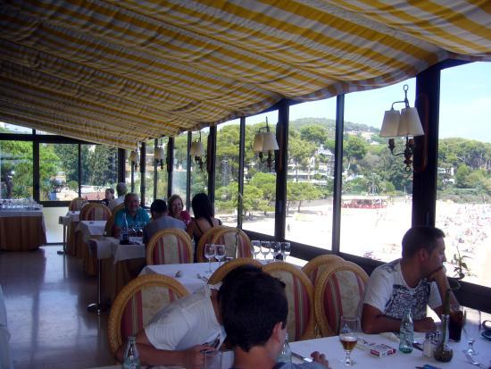 Restaurante Can Poldo: Salles à manger extérieure