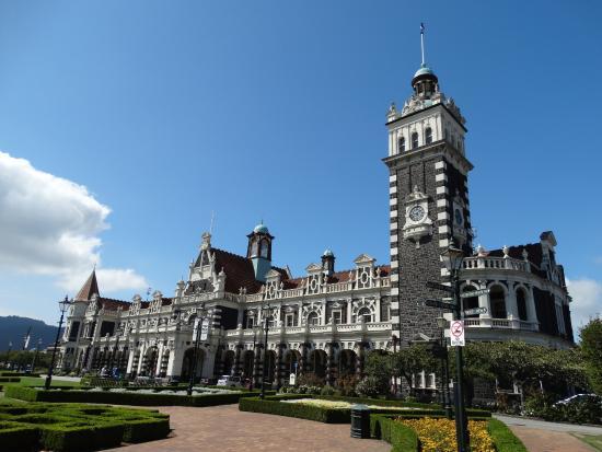 Dunedin Railway Station: Station