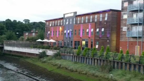 pentahotel Ipswich: Rear of hotel overlooking river