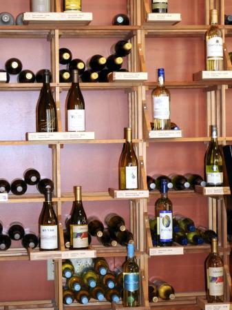 Wine Guyz: Inside