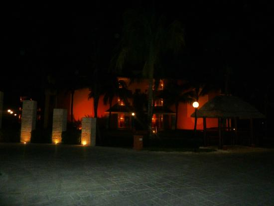 Grand Bahia Principe Coba: love to walk in the dark, it's a whole different world