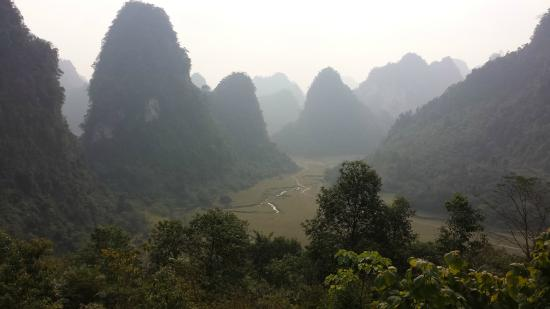 Custom Vietnam Travel Day Tours: fantastic mountains