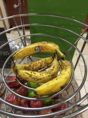 Hampton Inn Gallipolis: Breakfast Bananas August 24.