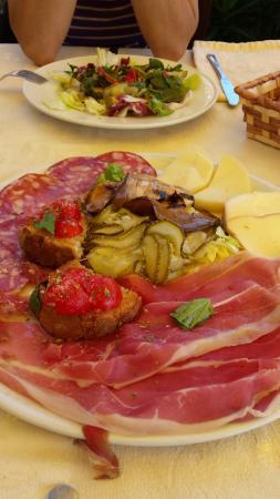 La Piazzetta: antipasto