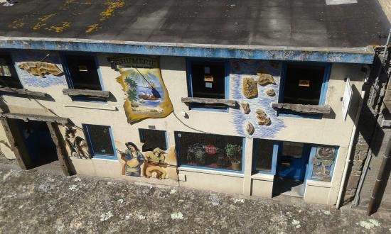 Les Remparts de Saint-Malo: locale con insegne dei pirati