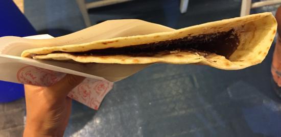 piadineria pizzeria il vicolo: Piadina Nutella e scaglie di cocco