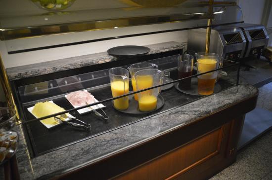 Crestfield Hotel: Desayuno buffet