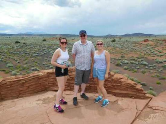 Wupatki National Monument: Enjoying the view