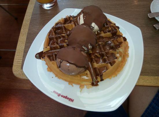 Haagen Dazs: Waffle with chocolsate.. ;).