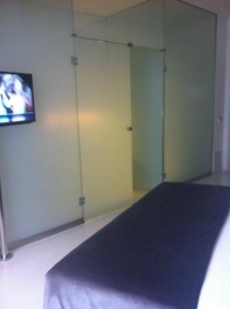 Hotel Porta Fira: visuale bagno