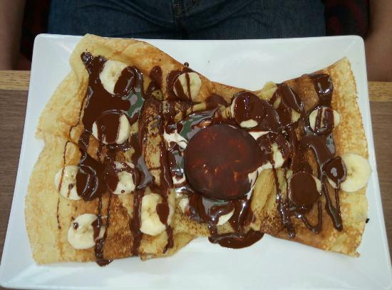 Haagen Dazs: Crepes with banana chocolate!.