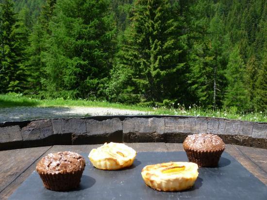 Le Gite des Tavernes: Quelques pâtisseries dans leurs contextes!