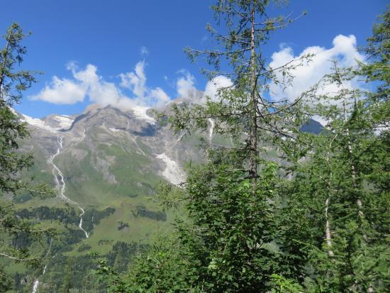 Grossglockner-Hochalpenstrasse: from distance