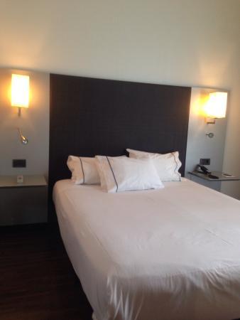 AC Hotel Burgos: Habitacion