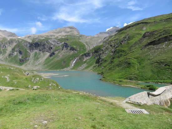 Grossglockner-Hochalpenstrasse: Lake on the top