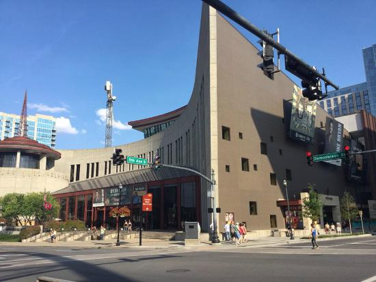 Country Music Hall of Fame and Museum: exterior of museum