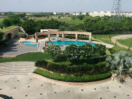 Ramada Ajmer: Pathetic country inn