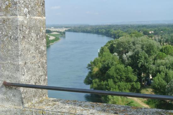 Chateau de Tarascon: le Rhône