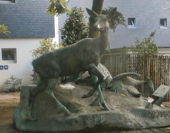 Jardin des Plantes: statue