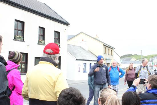 Clare Coastal Walk Project: Pat meeting everyone in front of the pub