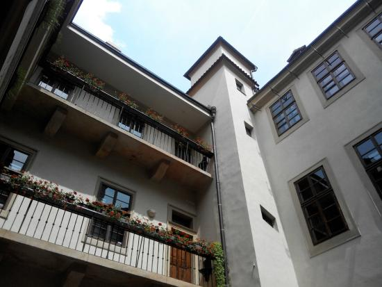 Restaurace U Labuti: Внутренний дворик