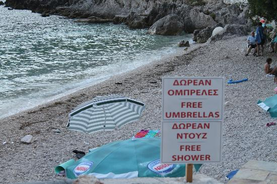Afteli Beach: Free umbrellas, free shower