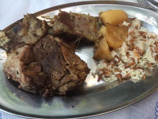 Taverna Michalis: Lamm vom Spieß