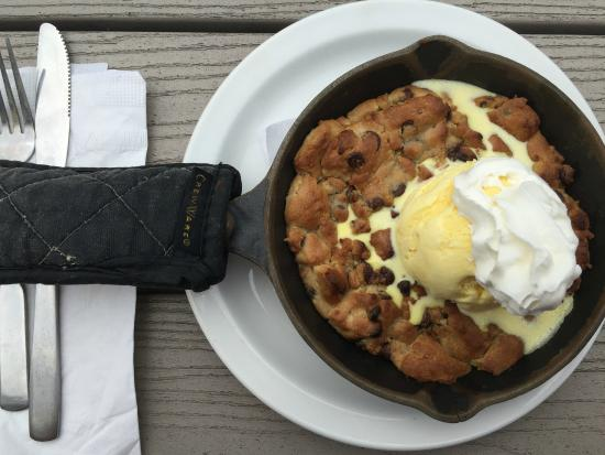 Poor People's Pub: CAST IRON SKILLET TOLLHOUSE COOKIE DOUGH PIE ! OMG YUMMY !!!!!!!!!!!!!