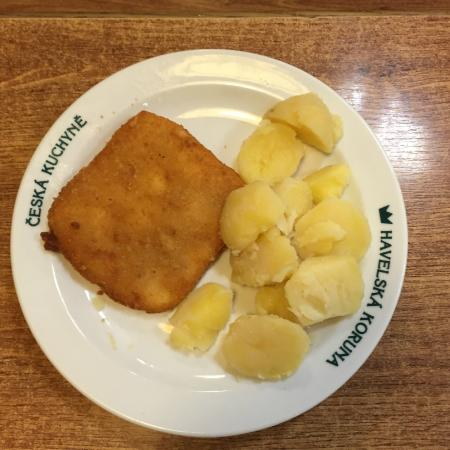 Restaurant Havelska Koruna: poisson pané avec pomme de terre