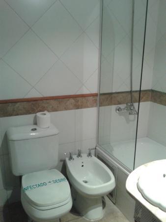 Xumec Apart Hotel: Baño muy limpio y ducha con agua caliente