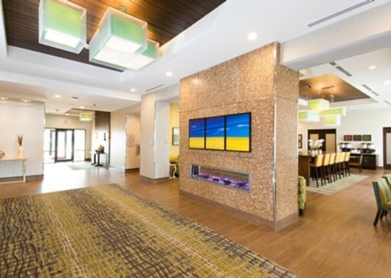 Hampton Inn by Hilton Lloydminster: Lobby