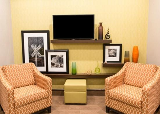 Hampton Inn by Hilton Lloydminster: Lobby
