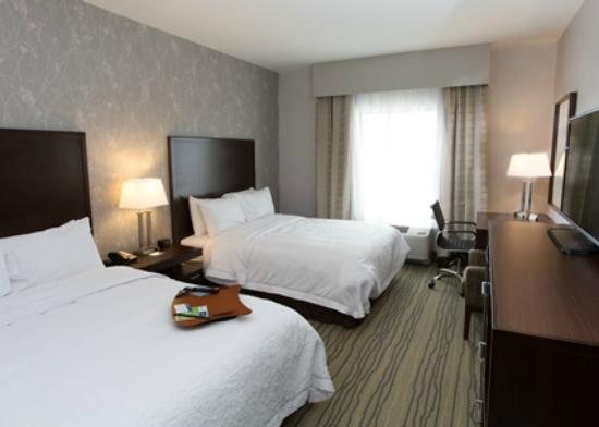 Hampton Inn by Hilton Lloydminster: Double beds room