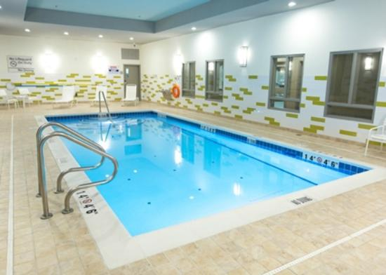 Hampton Inn by Hilton Lloydminster: Pool