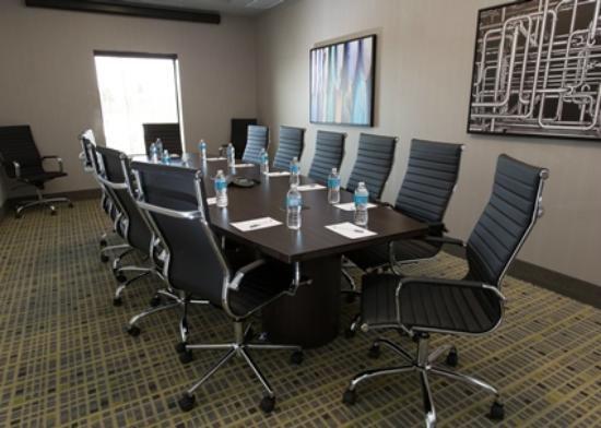 Hampton Inn by Hilton Lloydminster: board room
