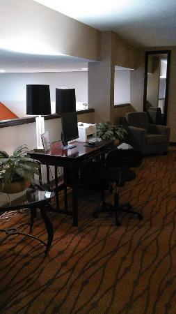 Sleep Inn: Desk area on the 4th floor