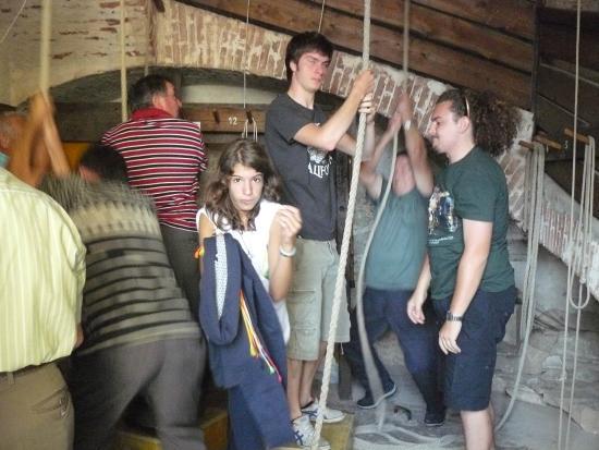 Campanile di Breganze: Giovani campanari all'opera