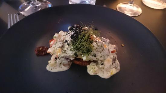 Restaurant Sletten: Pighvar overdøvet af sauce vierge og bagt tomat