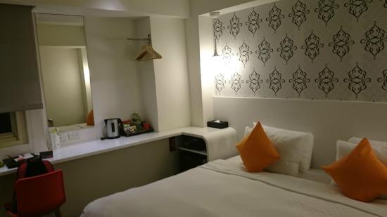 Hotel 73: Hotel Room