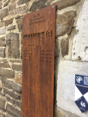 Montagne de Bueren: Brasserie dans le chemin à gauche du pied des escaliers