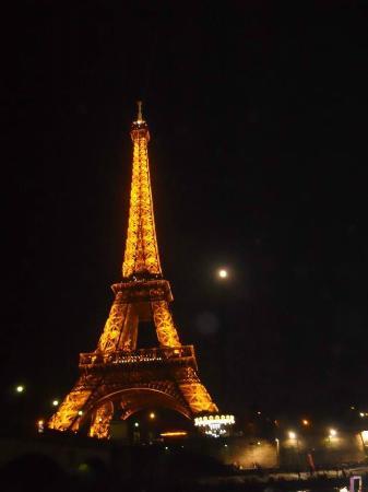 Bateaux Mouches: Torre Eiffel con la luna piena