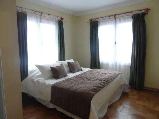 Quinchamali Hostel: Suite matrimonial con baño privado