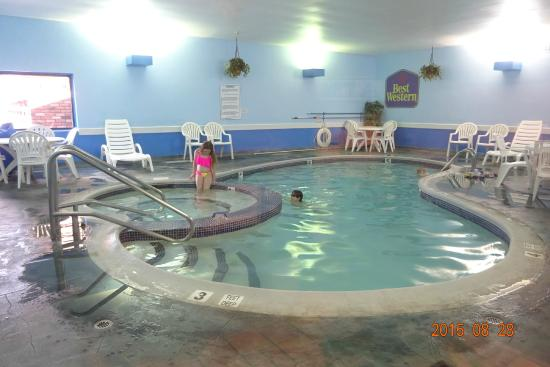 Best Western of Lake George: Piscine intérieure