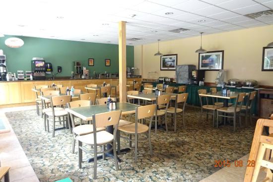 Best Western of Lake George: La salle à déjeuner