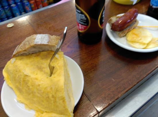 La Bombilla: Tapa de tortilla muy buena