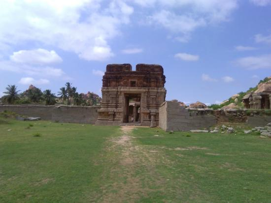 Group of Monuments at Hampi: On the way