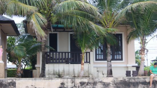 Baan Faa Talaychan: bungallow beach side