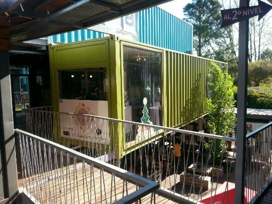 Paseo Mendoza - Containers Shopping