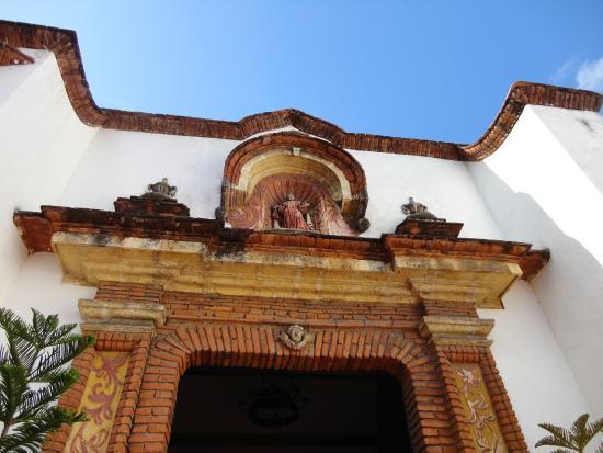 Iglesia Nuestra Señora del Carmen: Nicho del Acceso Principal.