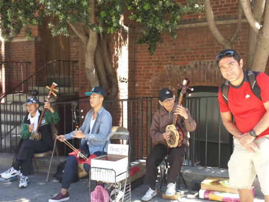 Chinatown: Music by the street